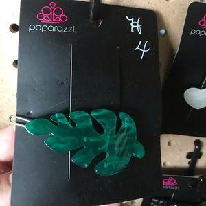 Green marble hair clip.